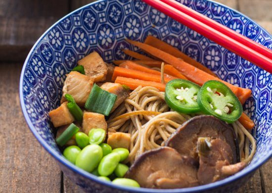 Salteado de Noodles Mahi Soba